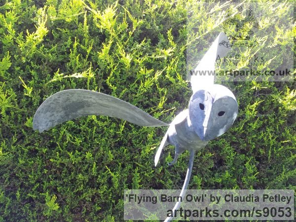 Mild steel Garden Or Yard / Outside and Outdoor sculpture by sculptor Claudia Petley titled: 'Flying Owl (Minimalist Modern Stylised Steel Owls)' - Artwork View 2