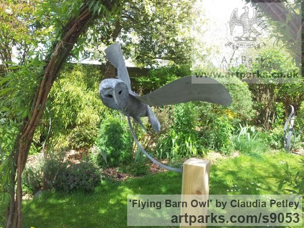 Mild steel Garden Or Yard / Outside and Outdoor sculpture by sculptor Claudia Petley titled: 'Flying Owl (Minimalist Modern Stylised Steel Owls)' - Artwork View 4