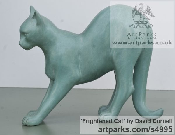 Bronze Cats sculpture by sculptor David Cornell titled: 'Frightened Cat (Startled standing Feline statue/statuette)'