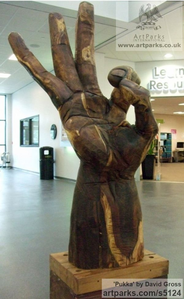 Sculpture pukka massive wooden hand carving