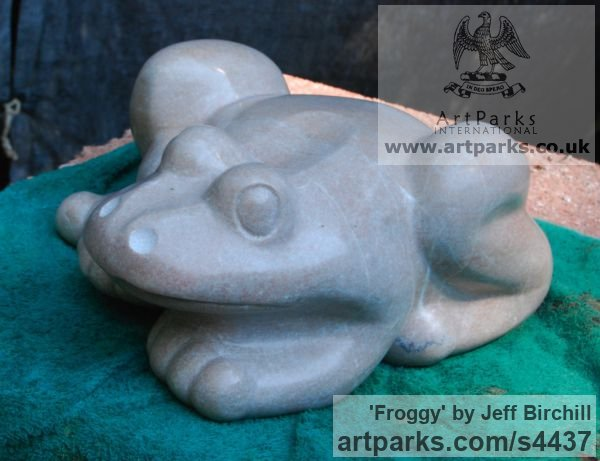 Tennessee Marble Wild Animals and Wild Life sculpture by sculptor Jeff Birchill titled: 'Froggy (Polished Carved marble minimalist Frog statue)' - Artwork View 2