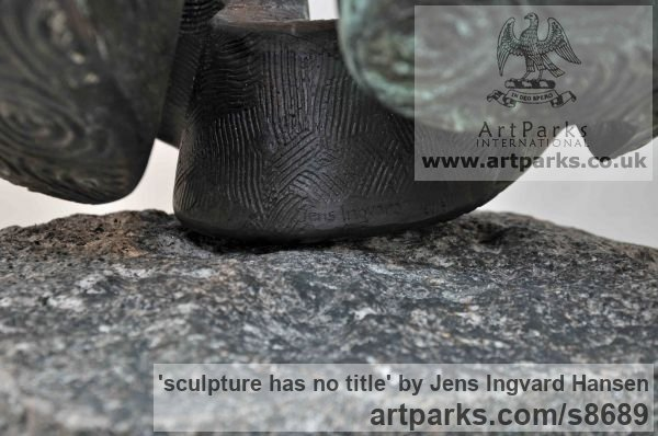 Bronze Abstract Contemporary Modern Outdoor Outside Garden / Yard sculpture statuary sculpture by sculptor Jens Ingvard Hansen titled: 'sculpture has no title (Round Minimalist statue)' - Artwork View 4
