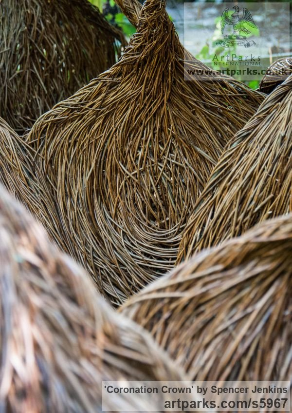 Willow (on steel structure) Garden Or Yard / Outside and Outdoor sculpture by sculptor Spencer Jenkins titled: 'Coronation Crown (Giant Royal 60th Anniversary Willow sculpture)' - Artwork View 5