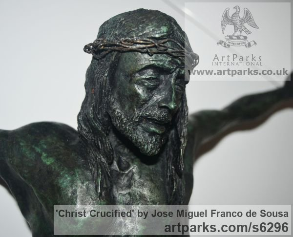 Bronze Male Men Youths Masculine sculpturettes figurines sculpture by sculptor Jos� Miguel Franco de Sousa titled: 'Christ Crucified (Small Crucficition statue)'