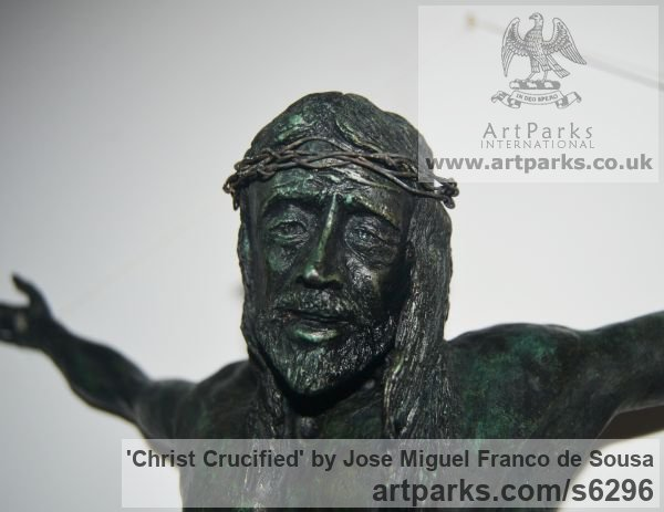 Bronze Male Men Youths Masculine sculpturettes figurines sculpture by sculptor Jos� Miguel Franco de Sousa titled: 'Christ Crucified (Small Crucficition statue)' - Artwork View 4