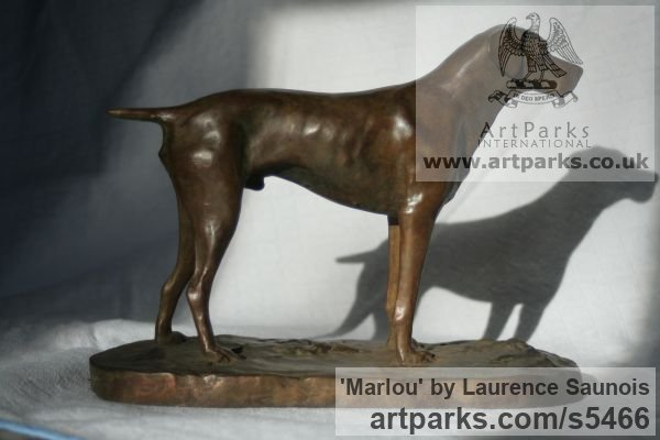 Bronze Dogs sculpture by sculptor Laurence Saunois titled: 'Marlou (Little Bronze French Pointer Dog statuettes/ornaments/figurine)'