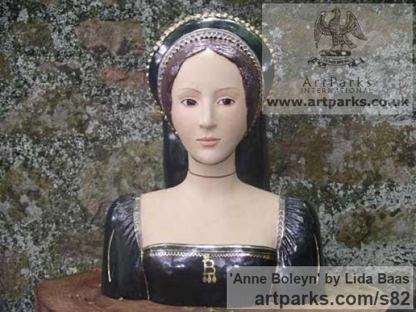 Stoneware, glazed & gilded Portrait Sculptures / Commission or Bespoke or Customised sculpture by sculptor Lida Baas titled: 'Anne Boleyn'