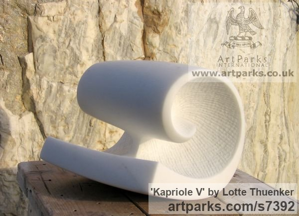 Carrara marble Small / Little Abstract Contemporary Sculptures / sculpture by sculptor Lotte Thuenker titled: 'Kapriole V (abstract Contemporary Modern Little Wave Indoor statues)' - Artwork View 2