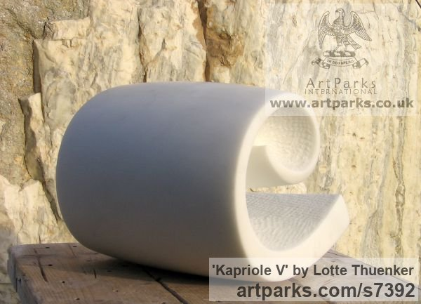 Carrara marble Small / Little Abstract Contemporary Sculptures / sculpture by sculptor Lotte Thuenker titled: 'Kapriole V (abstract Contemporary Modern Little Wave Indoor statues)' - Artwork View 3