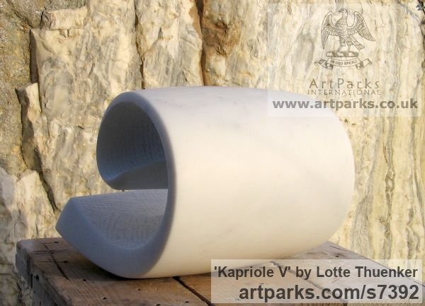 Carrara marble Small / Little Abstract Contemporary Sculptures / sculpture by sculptor Lotte Thuenker titled: 'Kapriole V (abstract Contemporary Modern Little Wave Indoor statues)' - Artwork View 4