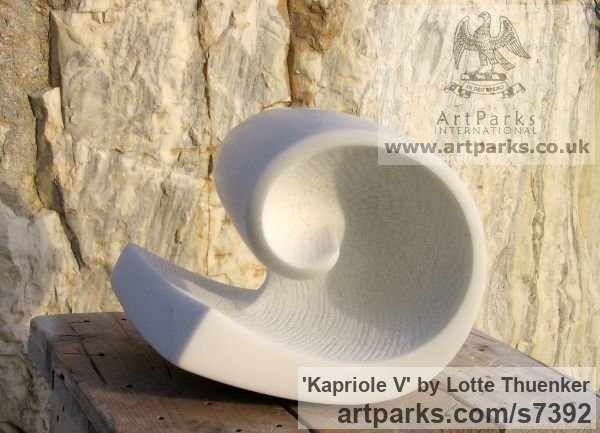 Carrara marble Small / Little Abstract Contemporary Sculptures / sculpture by sculptor Lotte Thuenker titled: 'Kapriole V (abstract Contemporary Modern Little Wave Indoor statues)' - Artwork View 5