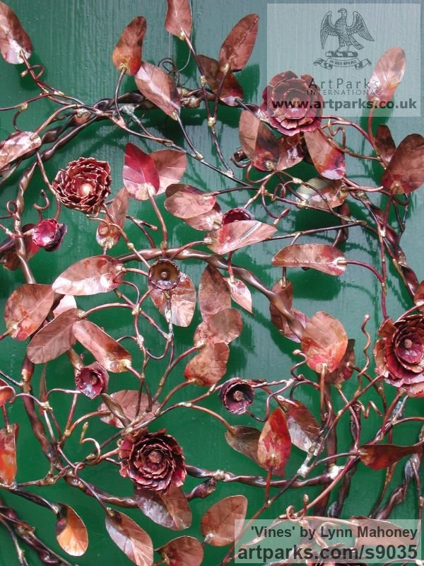 Copper Wall Mounted or Wall Hanging sculpture by sculptor Lynn Mahoney titled: 'Vines (Circular Foliage Floral Wreath Cartouch statue)' - Artwork View 1