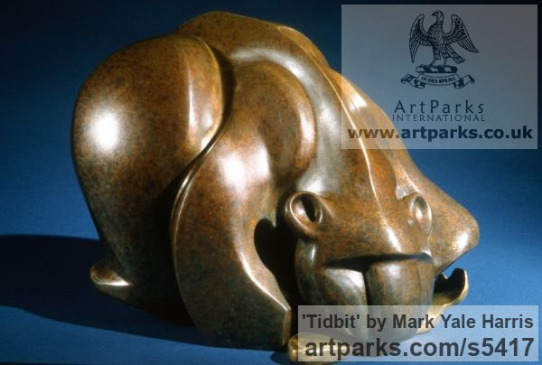 Bronze Wild Animals and Wild Life sculpture by sculptor Mark Yale Harris titled: 'Tidbit (abstract Stylised Crouching Bear statuette sculpture)'