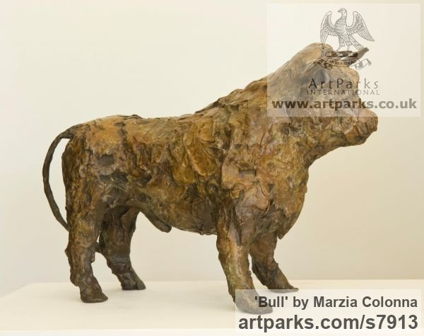 Bronze Farm Yard sculpture by sculptor Marzia Colonna titled: 'Bull (Little Small bronze Bull sculpturette)'