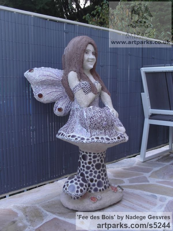 Ciment, chaux ,sable de biot ,mosaique Garden Or Yard / Outside and Outdoor sculpture by sculptor Nadège Gesvres titled: 'Fee des Bois (Wood Fairy on Mushroom garden/Yard sculptures)' - Artwork View 3