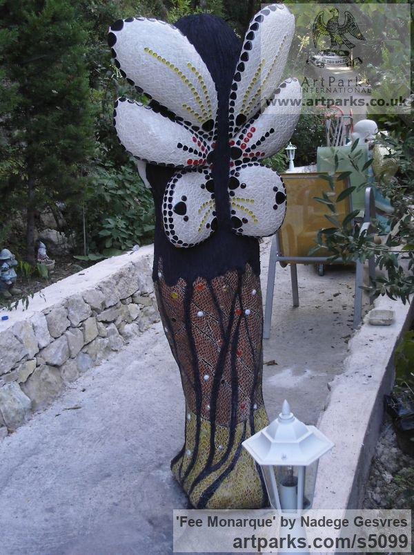 Ciment, chaux ,sable de biot ,mosaique Females Women Girls Ladies sculpture statuettes figurines sculpture by sculptor Nadège Gesvres titled: 'fee monarque (Fairy Queen Park/garden/Yard statue)' - Artwork View 3