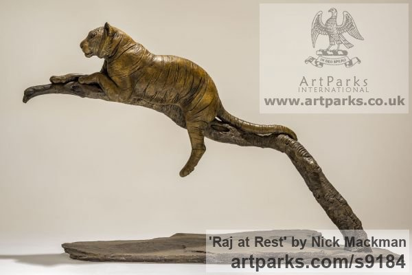 Bronze Cats sculpture by sculptor Nick Mackman titled: 'Raj at Rest (Tiger Resting Drowsing on Branch statue)' - Artwork View 3