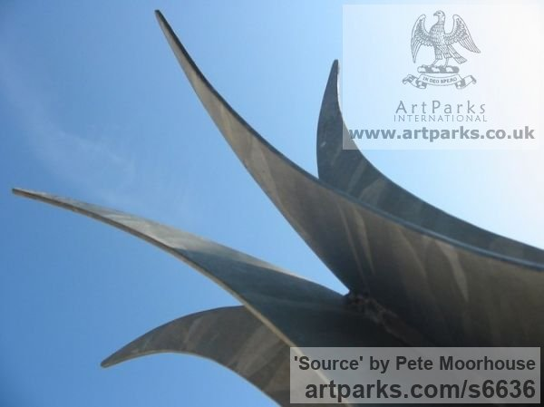 Mild Steel Abstract Contemporary Modern Outdoor Outside Garden / Yard sculpture statuary sculpture by sculptor Pete Moorhouse titled: 'Source (Steel abstract Symmetric Plant Bud Steel Modern statue)' - Artwork View 4