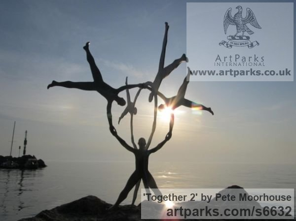 Steel Abstract Contemporary Modern Outdoor Outside Garden / Yard sculpture statuary sculpture by sculptor Pete Moorhouse titled: 'Together 2 (Massive Big Outdoors Outside Contemporary abstract statue)' - Artwork View 3