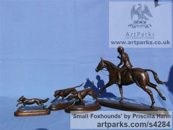 Bronze Dogs sculpture by sculptor Priscilla Hann titled: 'Small Foxhounds (Little bronze Table Top statuette)'