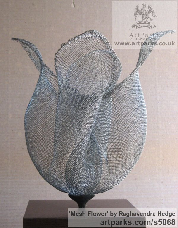Wire mesh Varietal cross section of Floral, Fruit and Plantlife sculpture by sculptor Raghavendra Hedge titled: 'Mesh Flower (abstract Wire Netting Small Floral sculptures)' - Artwork View 1