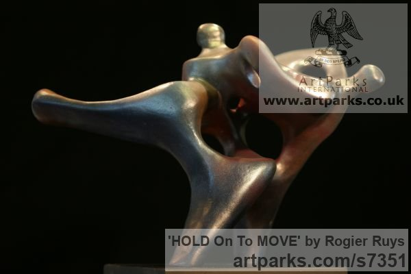Synthetic material Neolite or bronze Garden Or Yard / Outside and Outdoor sculpture by sculptor Rogier Ruys titled: 'HOLD On To MOVE (Contemporary abstract Modern Stalwart sculpturette)' - Artwork View 4