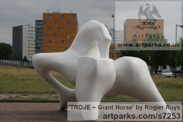 Polyester Abstract Contemporary or Modern Outdoor Outside Exterior Garden / Yard sculpture statuary sculpture by sculptor Rogier Ruys titled: 'TROJE ~ Giant Horse (abstract Modern Outdoor Public sculpture)' - Artwork View 5