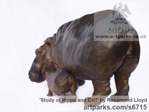 Bronze Wild Animals and Wild Life sculpture by sculptor Rosamond Lloyd titled: 'Hippo Mother and Baby (Little Bronze Hippopotamus and Calf statuettes)' - Artwork View 3