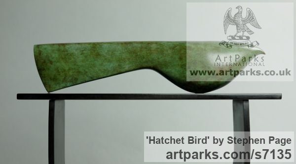 Bronze Animal Abstract Contemporary Modern Stylised Minimalist sculpture by sculptor Stephen Page titled: 'Hatchet Bird (Minimalist Contemporary Bird statuette)' - Artwork View 2
