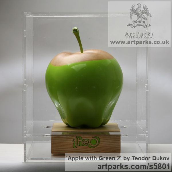 Wood,pigments,oil Outsize, Very Big, Extra Large and Massive sculpture by sculptor Teodor Dukov titled: 'Apple with Green 2 (Big Outsize Carved Wood Painted Fruit sculptures)' - Artwork View 2