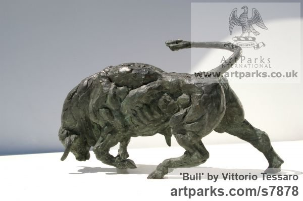 Bronze Farm Yard sculpture by sculptor Vittorio Tessaro titled: 'Bull (Small Little Charging Rampaging Bull sculpturette statue)'