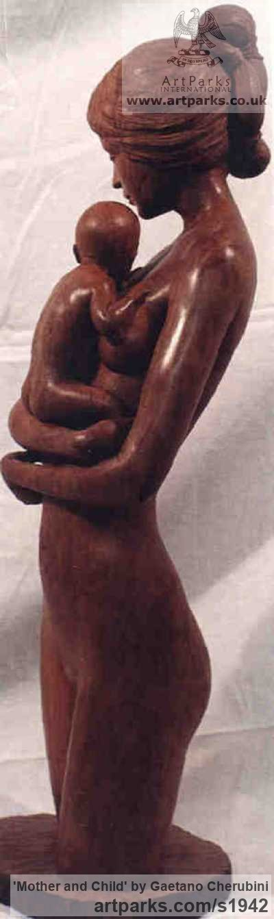 Apple Wood Parent - Child sculpture by sculptor Gaetano Cherubini titled: 'Mother and Child (Carved Wood Mother and Infant statue/sculpture/carving)' - Artwork View 4