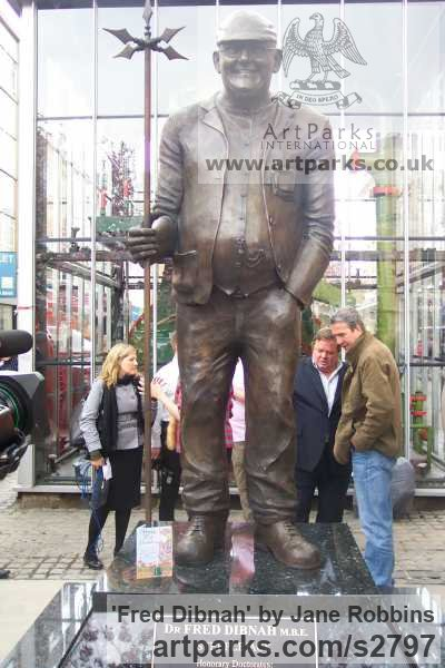 Bronze Portrait Sculptures / Commission or Bespoke or Customised sculpture by sculptor Jane Robbins titled: 'Fred Dibnah'