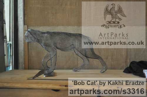 Simple Mesh Cats sculpture by sculptor Kakhi Eradze titled: 'Bob Cat (Prowling Hunting Walking Big Cat statue/sculpture)'