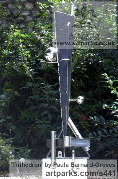 Steel Garden Or Yard / Outside and Outdoor sculpture by sculptor Paula Groves titled: 'Trithedron (modern Contemporary abstract Outdoor sculpture)' - Artwork View 1