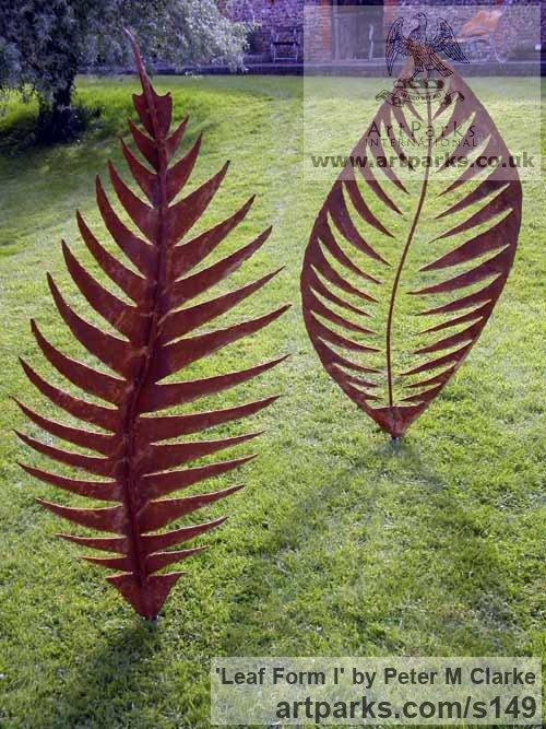 Mild steel Garden Or Yard / Outside and Outdoor sculpture by artist Peter M Clarke titled: 'Leaf Form II (Big Contemporary Metal Leaf garden/Yard statue/sculpture)' - Artwork View 2