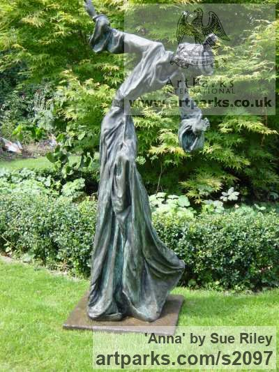 Bronze Garden Or Yard / Outside and Outdoor sculpture by sculptor Sue Riley titled: 'Anna (Contemporary abstract female Girl Woman Ballet Dancer sculpture)' - Artwork View 3