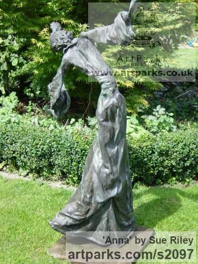 Bronze Garden Or Yard / Outside and Outdoor sculpture by sculptor Sue Riley titled: 'Anna (Contemporary abstract female Girl Woman Ballet Dancer sculpture)' - Artwork View 4