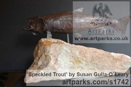 Bronze Wild Animals and Wild Life sculpture by sculptor Susan Gulla-O`Leary titled: 'Speckled Trout (Small bronze Swimming/Feeding Fish statues/statuettes)' - Artwork View 3