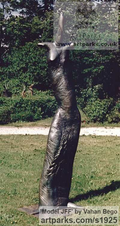 Bronze Garden Or Yard / Outside and Outdoor sculpture by sculptor Vahan Bego titled: 'Model JFF (abstract Contemporary female garden statue)' - Artwork View 4