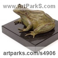 Reptiles Sculpture and Amphibian Sculpture by sculptor artist Camilla Le May titled: 'Common African River Frog (Small bronze Ornaments)' in Bronze