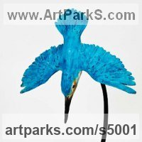 Hyperrealistic Sculpture by sculptor artist Cynthia Lewis titled: 'Kingfisher (Lifesize Realistic Blue bronze Diving statuettes/statue)' in Bronze on steel base