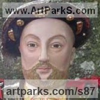 Stylised Heads / Busts Sculpture by sculptor artist Lida Baas titled: 'Henry VIII' in Stoneware, glazed & gilded