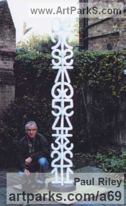 Sculptor Paul Riley