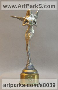 AAuminium & Bronze Stylised Nude statue sculpture statuette ornament sculpture by Andrei Kaporin titled: 'Calypso (Naked abstract Neried Goddess statuette)'