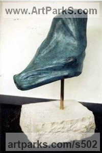 Bronze Animal Abstract Contemporary Modern Stylised Minimalist sculpture by sculptor Antonia Spowers titled: 'Bird (Bronze abstract Small or Little garden sculpturettes sculpture)'