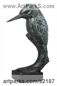 Bronze Animal or Bird or Fish Hunting Chasing and Pursuing Prey sculpture Statues statuettes sculpture by Bill Prickett titled: 'Kingfisher (life size Poised bronze statuettes/statue)'