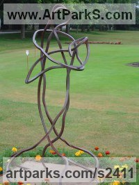 Steel Parent - Child sculpture by Bob Fuller titled: 'Mother and Child (Large Contemporary abstract Steel statues)'