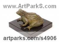 Bronze Reptiles Sculptures and Amphibian sculpture by sculptor Camilla Le May titled: 'Common African River Frog (Small Bronze Ornaments)'