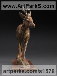 European Animals Birds Reptiles Sculpture Statues statuettes by sculptor artist David Mayer titled: 'Roe Buck (Small Trotting Stag Bronze statuette ornament)' in Bronze